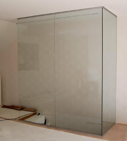 Myös pienemmät lasiset seinät meiltä